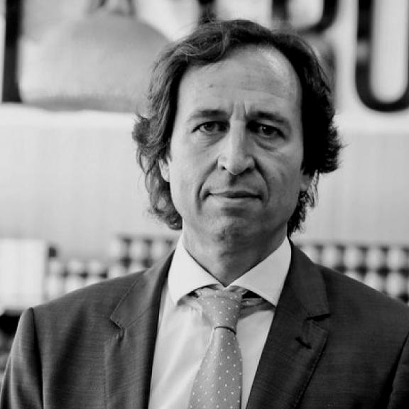 http://madridretailcongress.com/wp-content/uploads/2017/09/EZQUERRA-Enric-.png